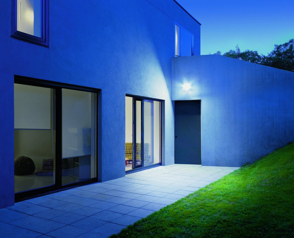 steinel xled home 1 bewegungsmelder test 2019. Black Bedroom Furniture Sets. Home Design Ideas